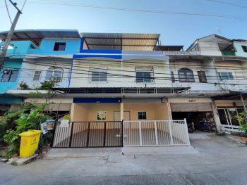ขายทาวน์โฮม 3 ชั้น แต่งใหม่ทั้งหลัง ติดถนนเทพารักษ์ ตลาดหนามแดง หมู่บ้านเด่นทอง ถนนเมน ค้าขายได้