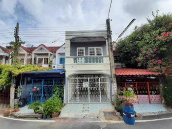 ขายทาวน์เฮ้าส์ถนนเทพารักษ์ ซอยมังกร ม.เฟื่องฟ้า 9 บ้านสวย หลังใหญ่ ต่อเติมเต็ม 3 ห้องนอน